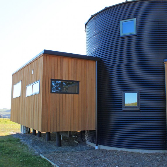 roger gilchrist: silo house side